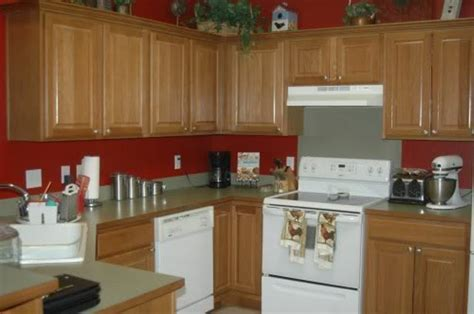 kitchen wall color ideas with oak cabinets red kitchen walls with oak cabinets manicinthecity
