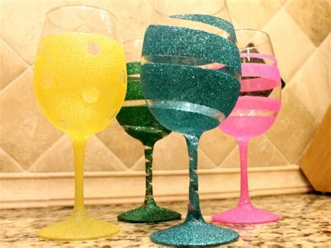 Decorating Glass With Glitter by Diy Wine Glass 11 634x475 16 Useful Diy Ideas How To