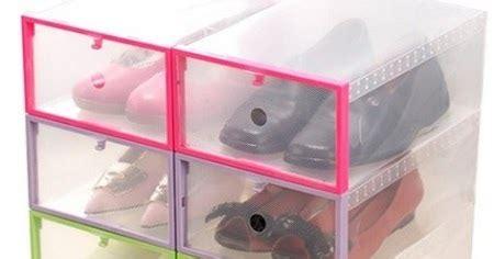 Rak Sepatu Yang Plastik pilih rak sepatu plastik atau rak sepatu kayu