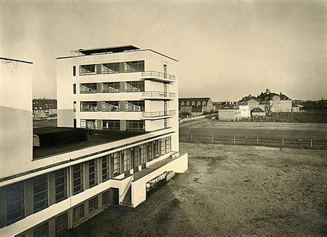 Das Bauhaus Walter Gropius by Das Bauhausgeb 228 Ude Walter Gropius 1925 26