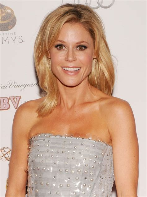 ladies hairstyles for front cowlick julie bowen embrace the cowlick hair ideas pinterest