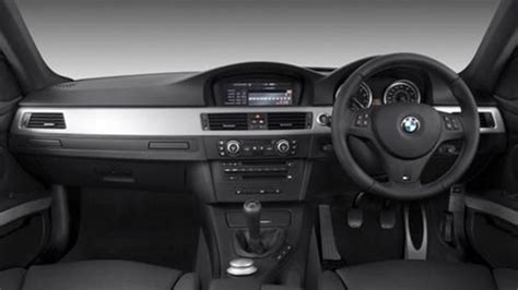 Dasbor Mobil menghilangkan noda membandel di dasbor mobil tribunnews