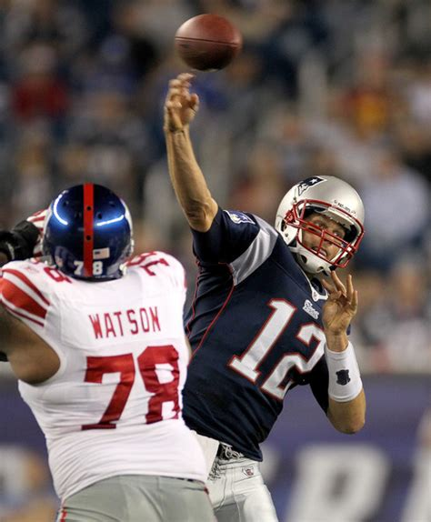 Go Giants And Throw Tom Brady His tom brady pictures new york giants v new