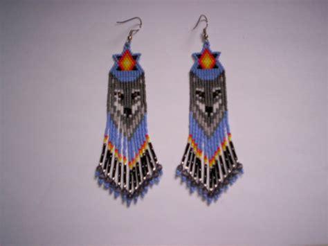 beaded wolf earring pattern brick stitch wolf delica seed beading fringe earring