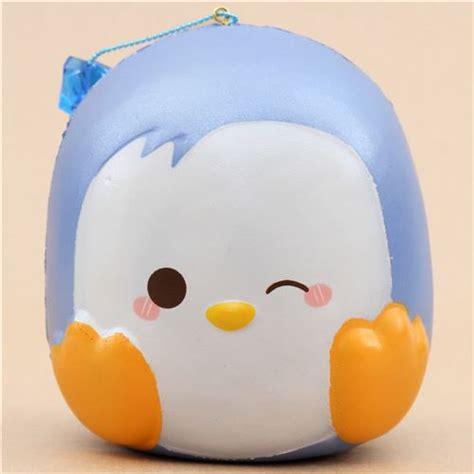 squishy puni maru parfum 233 pingouin jumbo bleu qui fait un clin d oeil squishy puni maru