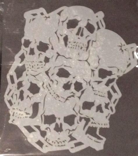 skulls  chain design reusable mylar stencil
