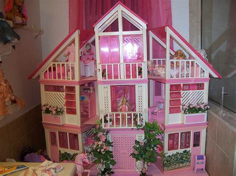donald doll house house with bed pics
