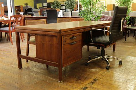 mid century walnut desk jens risom vintage mid century oiled walnut desk
