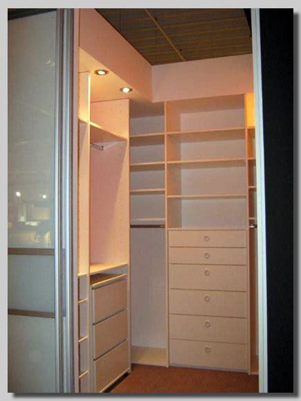 schiebetüren für einbauschrank ideen wohnzimmer streichen
