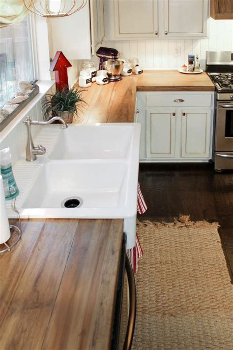 remodelaholic   create faux reclaimed wood countertops