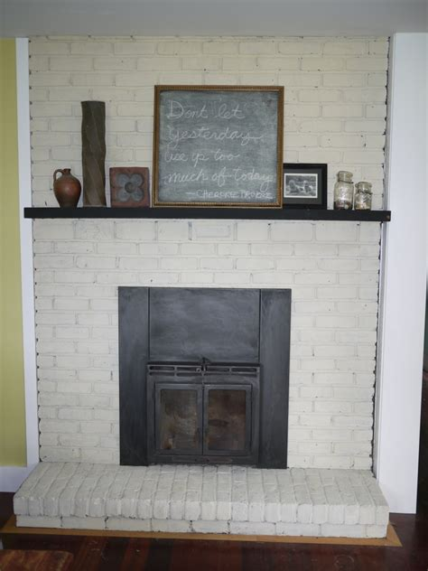 White Brick Fireplaces by White Wash Brick Fireplace Fireplace Design Ideas