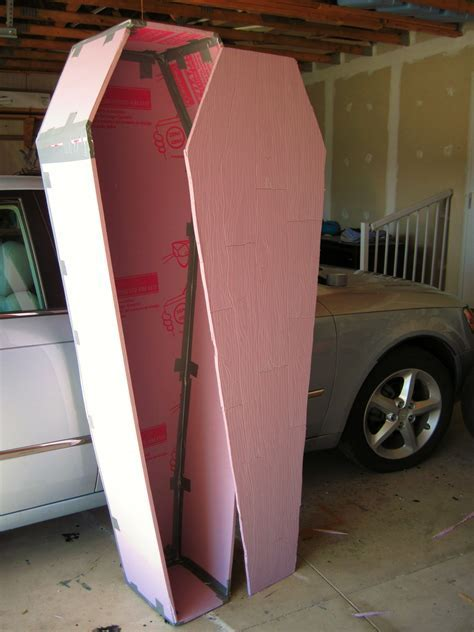 Halloween  DIY ~ Coffin using only foam board, duct tape