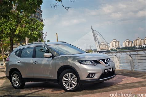 Nissan X Trail 2 5 test drive review nissan x trail 2 5 4wd autofreaks