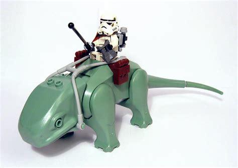 Starwars Mos Eisley Cantina Dewback Sandtrooper dewback brickipedia fandom powered by wikia