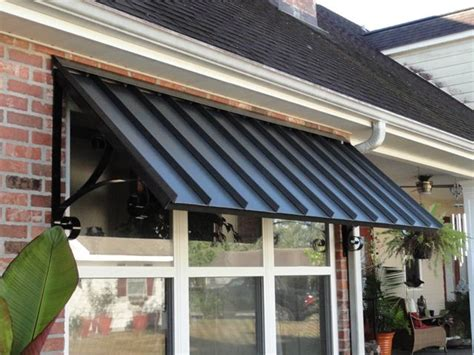 Steel Window Awnings by Best 25 Metal Awning Ideas On