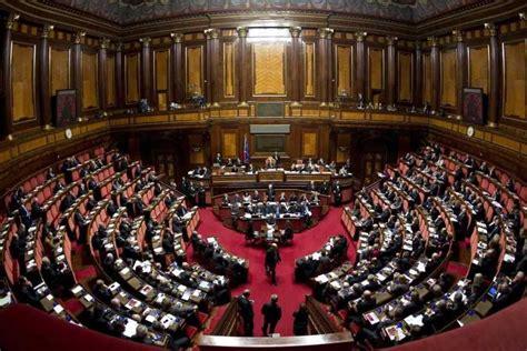 diretta senato matteo renzi al senato tra commissione ue e legge di