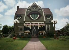 houses decorated for 31 of the best decorated halloween houses gallery ebaum s world