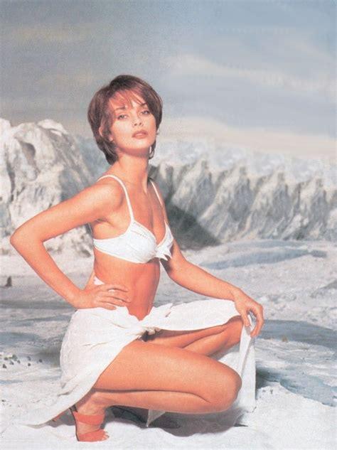 se filmer juliet naked image beach natalya 3 jpg james bond wiki fandom