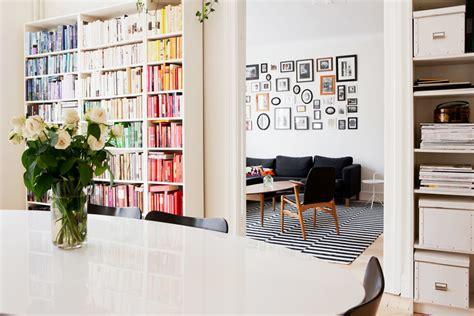 Diy Invisible Bookshelf 彩虹書牆 相片牆佈置法 Decomyplace 新聞