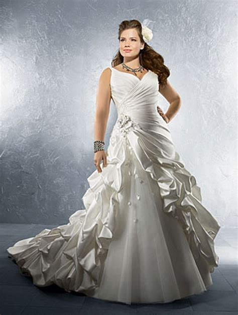 Latest Gothic Plus Size Wedding Dresses For Brides 2018
