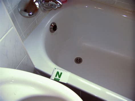 Stumpfe Emaille Polieren by Reparatur Emaille Oder Acrylschaden Badservice Goe