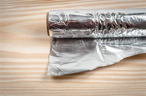 Alumunium Foil Silver Kue 5 uses for aluminum foil that will completely your mind aol lifestyle