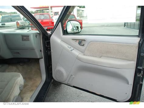 S10 Door Panel by 1995 Chevrolet S10 Ls Extended Cab Gray Door Panel Photo