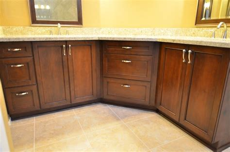 alder ultracraft cabinets in amherst door style with