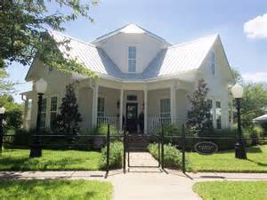 waco tx bed and breakfast magnolia farms bed and breakfast waco texas magnolia bed