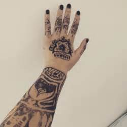 uta tattoo hand uta tokyo ghoul tattoo google search art pinterest