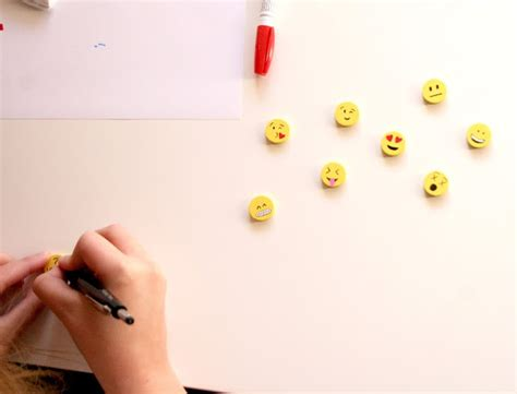 spray paint emoji diy emoji magnets are cool how2becool
