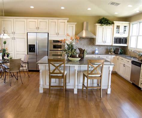 white colors for kitchen cabinets kuchnia po蛯艱czona z jadalni艱 inspiracje projekt kuchni