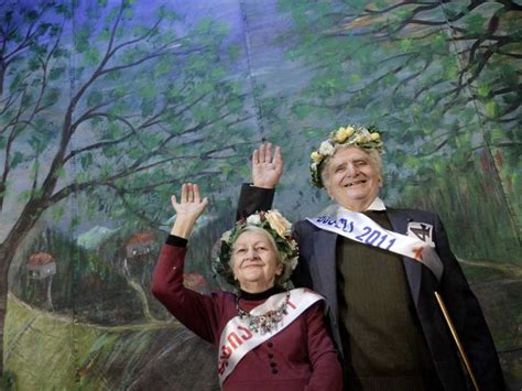Pendidikan Orang Dewasa Ori kebahagiaan datang di usia 75 tahun antara news