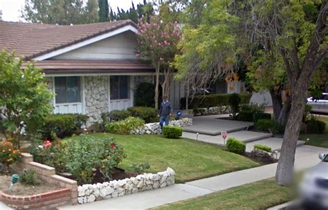 houses for rent in porter ranch reports of price gouging as porter ranch families look for
