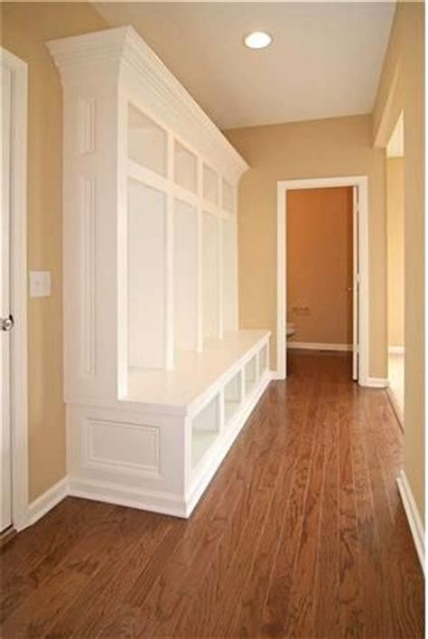 mudroom lockers with bench built ins floors bruce hardwood prefinished in saddle dundee