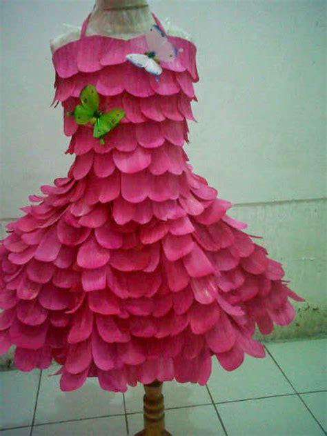 desain baju daur ulang plastik gambar festival busana bahan daur ulang portal sidoarjo