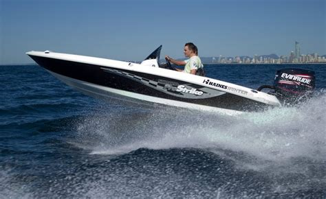 hunter boats review haines hunter 490 pro strike 2005 review yacht boat