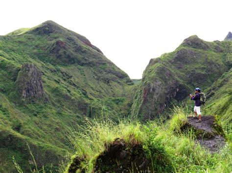 Senter Naik Gunung senyum sang penyemangat ingin naik gunung ini