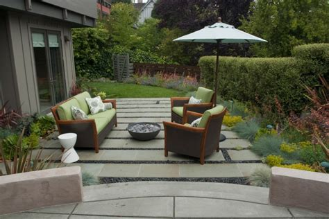 backyard lounge ideas 25 great patio ideas for your home thefischerhouse