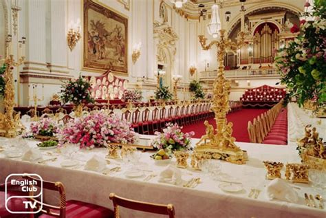 how many bedrooms are there in buckingham palace london buckingham palace