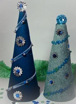 joli paquet felted cone christmas trees
