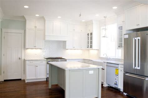 white wall kitchen cabinets loving the white kitchen tiek built homes cabinets is bm