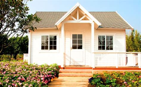how to adjust to downsizing your home freedom insurance how clearing clutter can help you find freedom and