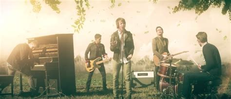 holly starr finds true beauty itstholhugospel watch worn music video by tenth avenue north