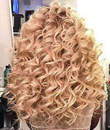 Wedding Hairstyles For Permed Hair by 30 Curly Perm Hairstyles For Hair Hairstyles