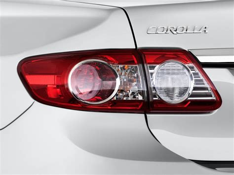 toyota corolla tail light 2013 toyota corolla pictures photos gallery green car