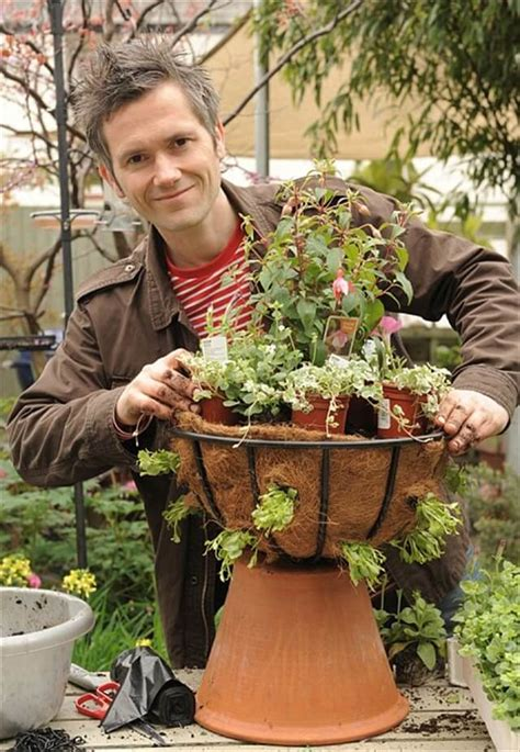 diy hanging basket vertical garden diy