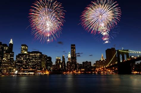 new york new years cruise front row seat to new year s fireworks ny boat charter