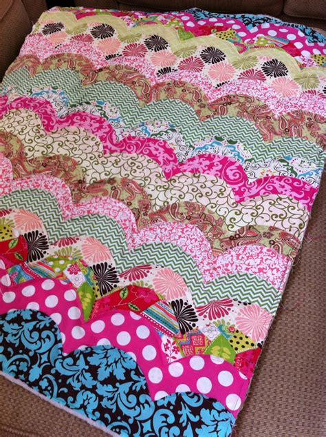 Scalloped Quilts by Girl S Scalloped Rag Quilt Sewing Project The