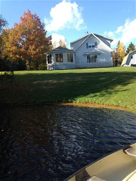 Setrika National Pei 111 country charm bed breakfast murray harbour kanada